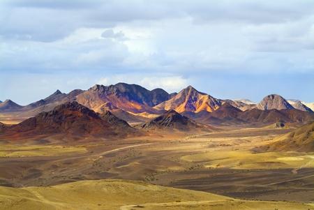 monte sinai: Magn�fico paisaje. Sina� de desierto en el comienzo del invierno