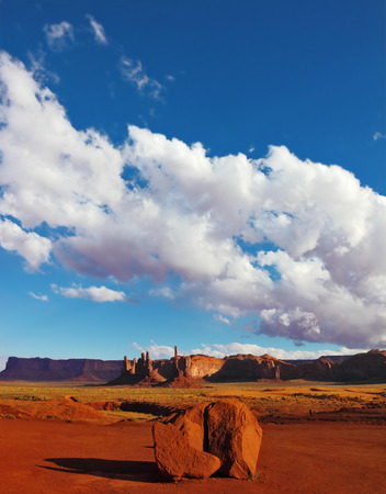 monument valley view: Magic view of the red desert. Monument Valley in the Navajo Indian Reservation. Arizona, USA Stock Photo