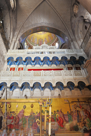 sepulchre: Painting of interior walls and ceilings set in the Temple of the Holy Sepulchre in Jerusalem