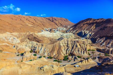 talus: Monta�as antiguas en el valle del Mar Muerto. Piedra arenisca multicolor pintoresco talud seco
