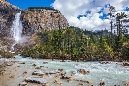 tremendous: The tremendous falls Takakkaw formed by thawing of glacier Daly. Autumn day in Yoho National Park in the Rocky Mountains of Canada