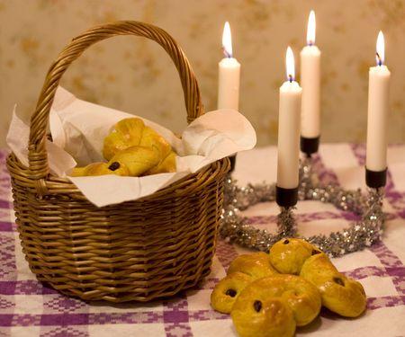 Saffron buns in a basket Stock Photo - 6259682