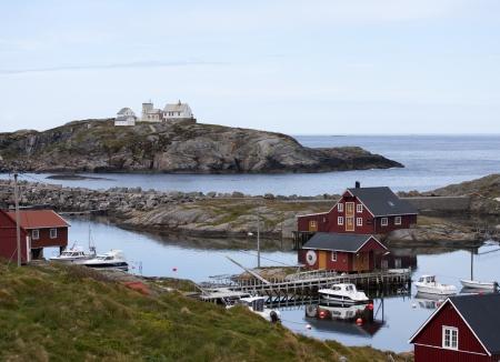 rorbu: Norwegian rorbu fishing houses and boats on Bjornsund