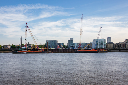 Construction of the London Super Sewer being carried out along the thames. It will help aleviate the problems with the old London sewage system. 版權商用圖片