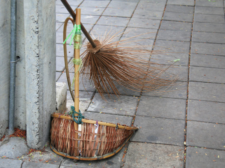 sweeper: Set of street cleaning - broom