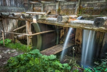 molino de agua: detalle de madera molino de agua activo
