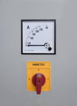 amp: Amp meter in circuit breaker