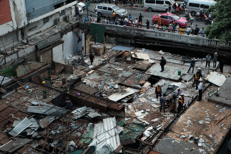 demolishing: Demolishing Iron Bridge Market in Bangkok, Thailand. On 28 October 2015.