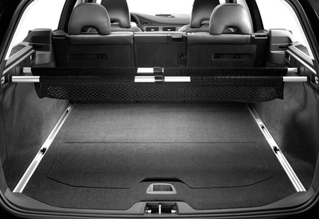 wide open: The big luggage carrier of the new and modern car. Universal. Stock Photo