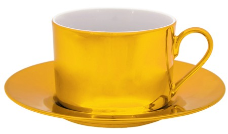 Golden cup isolated on white background Stock Photo - 7971259
