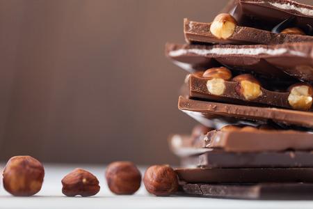 dark chocolate: Chocolate and nuts
