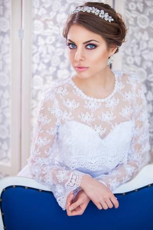 expensive: Beautiful bride in elegant expensive interior