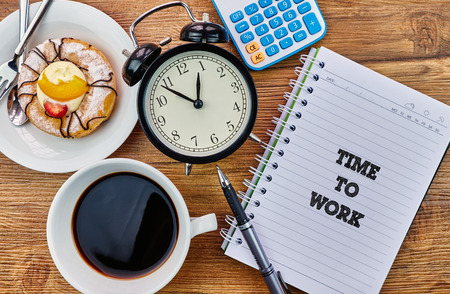 mangement: Time To Work - The modern concept of time management to reach the goal of increasing productivity. Archivio Fotografico
