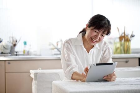 Tablet, women, Asians,