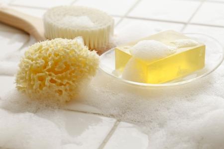 schiuma di sapone: Sapone e bagno prodotti Archivio Fotografico