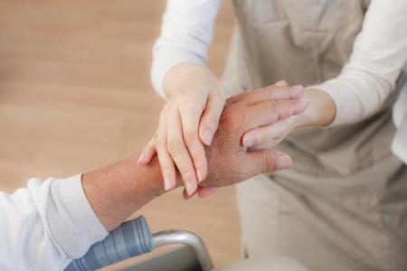 Senior to receive a massage