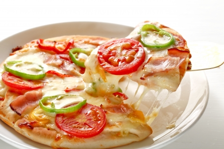 slice tomato: Pizza