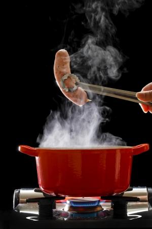 cooking pot: Boiled sausage