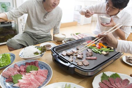 Japanese Home Cooking, Eating Grilled Meat