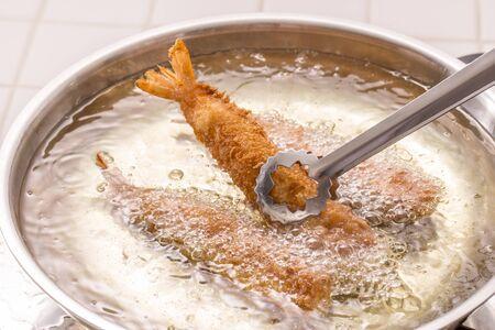 Pour cuire des crevettes frites
