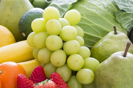 A group photo of fresh fruits