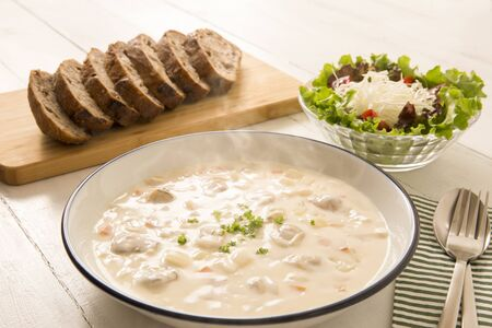 Warm clam chowder