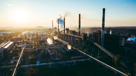 industrial landscape with heavy pollution produced by a large factory Foto de archivo - 117002487