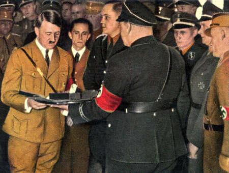 adolf: Rare German vintage cigarette card from the 1933 Der Staat der Arbeit und des Friedens album. Editorial
