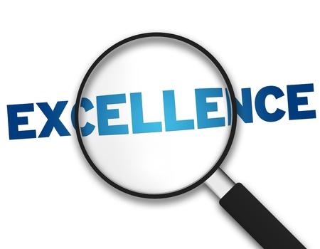 lupa: Lupa con la palabra excelencia sobre fondo blanco. Foto de archivo