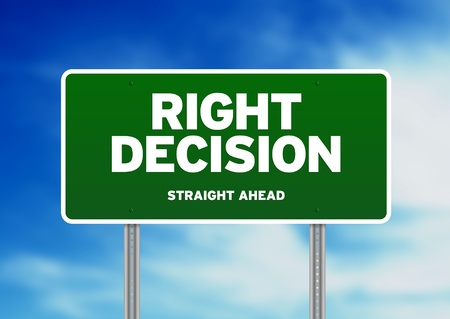decis�es: Green Right Decision Road sign on Cloud Background.