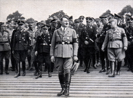 guerra: ALREDEDOR de 1933: Tarjeta rara cigarrillos vintage alem�n desde 1933 Der Staat der Arbeit und des Friedens �lbum, parte 2, 56 de imagen. Editorial