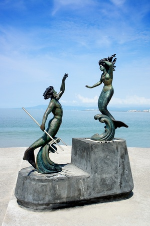 neptuno: Puerto Vallarta, Jalisco, M�xico bronce estatuas de sirena.