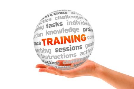 training: Une main tenant une sph�re Parole de formation sur fond blanc. Banque d'images