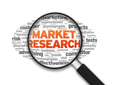 Magnified ilustración con la Investigación de Mercados palabra sobre fondo blanco.