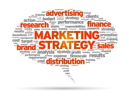 Marketing Strategy woord tekstballon illustratie op witte achtergrond. Stock Illustratie