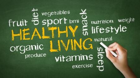 dieta sana: Una persona de dibujo y se�ala en una ilustraci�n Chalk Vida Saludable Foto de archivo