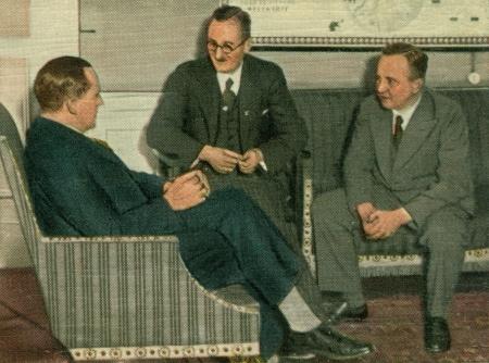 CIRCA 1933: Rare German vintage cigarette card from the 1933 Der Staat der Arbeit und des Friedens album, Part 2, Picture 122. Stock Photo - 19996842