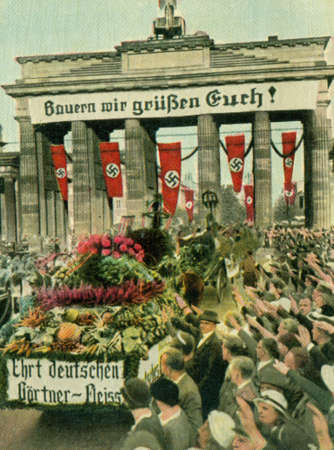 CIRCA 1933: Rare German vintage cigarette card from the 1933 Der Staat der Arbeit und des Friedens album, Part 2, Picture 131. Stock Photo - 19996840