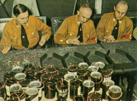 CIRCA 1933: Rare German vintage cigarette card from the 1933 Der Staat der Arbeit und des Friedens album, Part 2, Picture 217. Stock Photo - 19996977