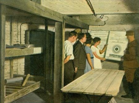 CIRCA 1933: Rare German vintage cigarette card from the 1933 Der Staat der Arbeit und des Friedens album, Part 2, Picture 280. Stock Photo - 19997039