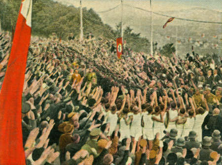 CIRCA 1933: Rare German vintage cigarette card from the 1933 Der Staat der Arbeit und des Friedens album, Part 2, Picture 297. Stock Photo - 19997027