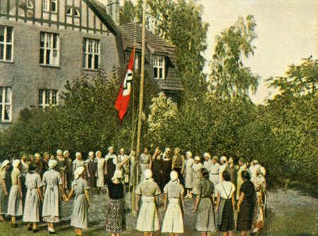 CIRCA 1933: Rare German vintage cigarette card from the 1933 Der Staat der Arbeit und des Friedens album, Part 2, Picture 90. Stock Photo - 19997044