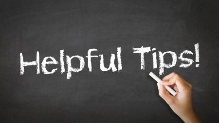 Eine Person, die Zeichnung und zeigt auf eine Hilfreiche Tipps Chalk Illustration Standard-Bild - 21219319