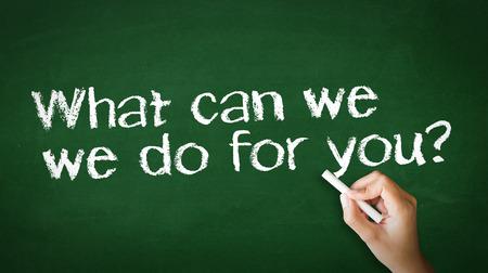 you can: Una persona de dibujo y que apunta a un ¿Qué podemos hacer por usted tiza ilustración