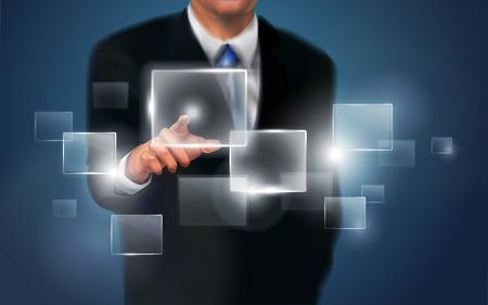 tecnologia virtual: persona de negocios que trabaja con moderna tecnolog�a virtual