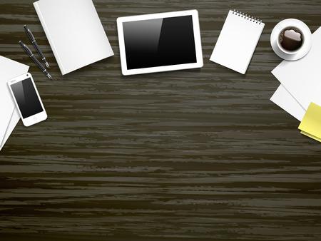 vista dall'alto di lavoro posto elementi sul tavolo di legno