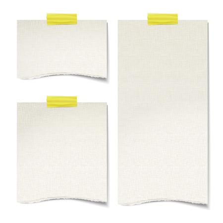 Papierbeschaffenheit Notizen auf der weißen Wand geklebt