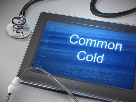 resfriado comun: fr�as palabras comunes se muestran en la tableta sobre la mesa