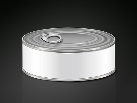alum�nio: blank aluminum can isolated over black background