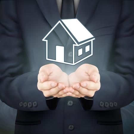 segurar: close-up olhar para negócios, segurando ícone imobiliário